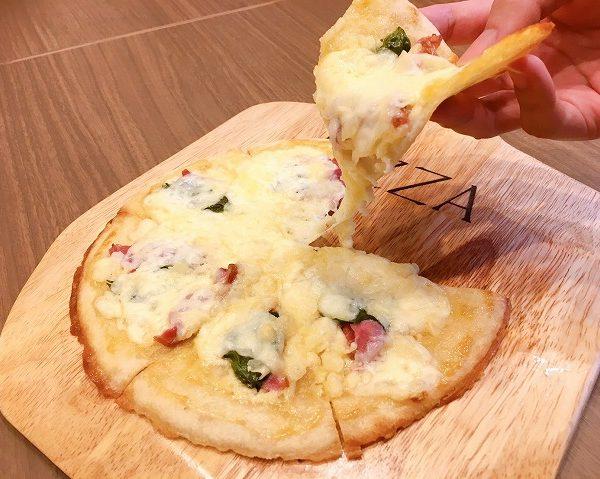 薄めの生地に 鴨スモークと 濃厚チーズたっぷり 京鴨スモークの PIZZA